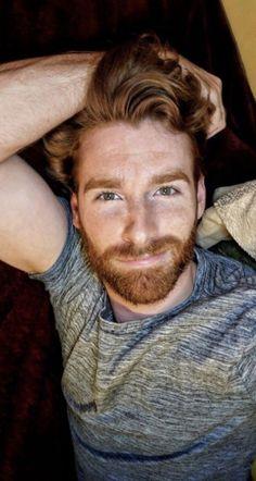 Men Hair – Images – Hair, Nails, Skin – Tips, Tricks and Hacks Hot Ginger Men, Ginger Beard, Ginger Hair, Ginger Guys, Beautiful Red Hair, Gorgeous Men, Hairy Men, Bearded Men, Red Hair Men