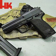 Manufacturer: Heckler & Koch Mod.HK USP 45 Type - Tipo: Pistol Caliber - Calibre: 45 ACP Capacity - Capacidade: 12 Rds Barrel length - Comp.Cano: 4.5 Weight - Peso: 29.4... Heckler & Koch Usp, 45 Acp, Assault Rifle, Cool Guns, You Magazine, Guns And Ammo, Cz 75, Tactical Gear, Shotgun