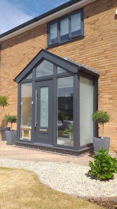 Modern Front Porches, Farmhouse Front Porches, Small Porches, Porch Designs Uk, Front Porch Design, Porch Uk, Porch And Balcony, House Front Door, House With Porch