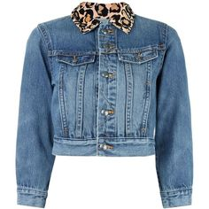Marc By Marc Jacobs leopard collar cropped denim jacket (830 ILS) ❤ liked on Polyvore featuring outerwear, jackets, blue, cropped jean jacket, blue jean jacket, cropped jacket, print jacket and cropped cotton jacket