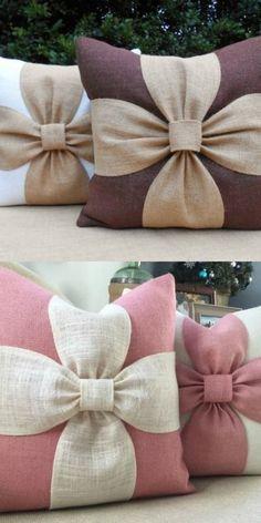 Jute kissen größe This pillar of Morocco is made of jute with high material diameter i Pillow Crafts, Burlap Crafts, Diy Home Crafts, Fabric Crafts, Sewing Crafts, Sewing Projects, Diy Projects, Bow Pillows, Cute Pillows