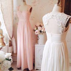 Robe rose clair dentelle