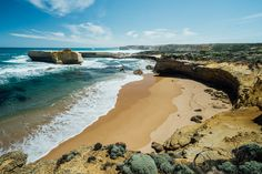 The 23 Best Things to do on the Great Ocean Road. This is a great list of all the best places to visit along the Great Ocean Road East Coast, Cool Places To Visit, Travel Guide, The Good Place, Things To Do, National Parks, Journey, Ocean, Victoria Australia