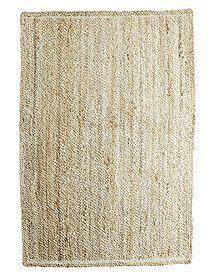 Teppiche Heller Juteteppich mit einer feinsinnigen Verarbeitung, von TINE K home. In drei verschiedenen Größen lieferbar.