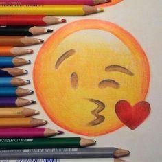Smiley kiss dessiné j'adore !!!
