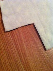 Nest and Nibble: Easy No-Sew Fleece Tie Blanket Tutorial Fleece Blanket Edging, Blanket Stitch, Blanket Sizes, Diy Throw Blankets, Fleece Tie Blankets, Baby Blankets, Sewing Hacks, Sewing Projects, Sewing Tips