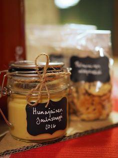 Herkkukori lahjaksi - kuusi ihanaa reseptiä   Kaikki Paketissa Candle Jars, Candles, Chocolate Fondue, Baking, Desserts, Christmas, Diy, Food, Tailgate Desserts