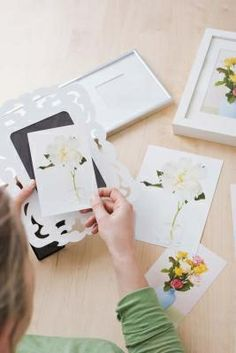 How to Preserve Fresh Flowers in Glass
