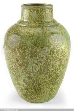 Glen Lukens (1887 - 1967) Green glazed earthenware vase