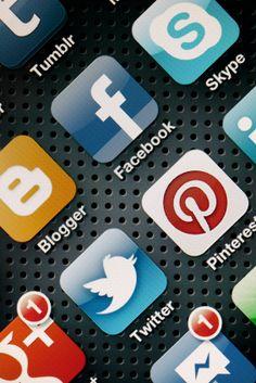 5 Reasons to Build Your Social Medai Marketing Around a Blog Social Media Tips, Social Networks, Social Media Marketing, Skype, Google Plus, Tumblr, Event Marketing, Educational Technology, Twitter