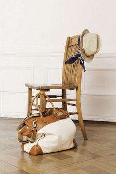 http://awesomecanvasbag.com/canvas-luggage-bag/