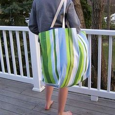 Free Bag Pattern and Tutorial - Oversize Beach Tote Bag