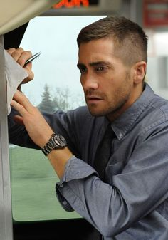 high and tight - Jake Gyllenhaal cool hairstyle should go 0 on the back and sides and then get it long on top then get 8 on top