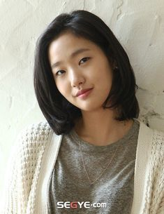 Kim Go-eun (김고은) - Picture @ HanCinema :: The Korean Movie and Drama Database Female Actresses, Korean Actresses, Korean Actors, Kim Go Eun Hair, Kim Go Eun Goblin, Kim Go Eun Style, Park So Dam, Ji Eun Tak, Ideal Beauty