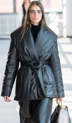 Jackets, Fashion Trends, Clothes, Zapatos, Style, Haute Couture, Down Jackets, Outfits, Clothing