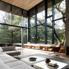 [Room] Tall and spacious living room opening up to a patio and garden surrounded with mature oak trees, Orinda, Contra Costa County, California - Dream house - Garden Floor Home Design, Modern House Design, Home Interior Design, Interior Architecture, Interior And Exterior, Design Ideas, Design Design, Design Blogs, Interior Colors