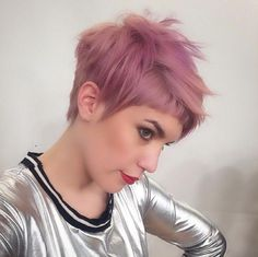 Cool Short Hairstyles & New Short Hair Trends 2017 Choppy Pixie Cut, Edgy Pixie Cuts, Short Hair Cuts, Short Hair Styles, Short Bangs, Haircut Short, Asymmetrical Pixie, Asymmetrical Haircuts, Wavy Pixie