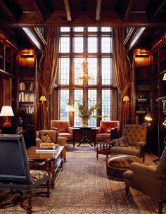 We love the stunning wood paneling in this European classic style library