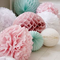 These pom poms are classic Marleny! For your baby shower party, decorate the floor with paper decorations such as accordion lanterns, honeycomb lanterns and tissue paper pom poms Shower Party, Baby Shower Parties, Bridal Shower, Baby Party, Paper Decorations, Wedding Decorations, Pastel Party Decorations, Wedding Ideas, Birthday Decorations