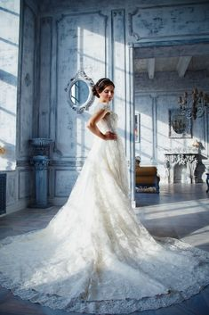 Top Wedding Gown Catalogue. Trying To Find Up To Date Bridal Dresses Types? Visit Our Site Now!
