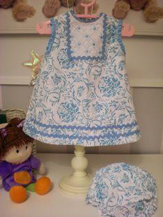 El Armarito de Lola: Precioso jesusito blanco y azul de Yoedu, 9 meses