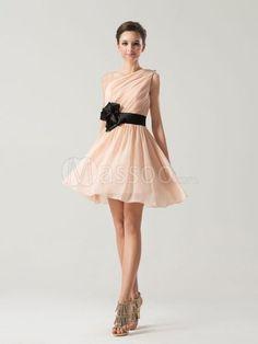 Quality and beautiful bridesmaid dress at low price, at Massoo.com.