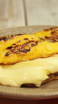 Recipe with video instructions: These traditionally Venezuelan semi-sweet corn pancakes are the perfect vessel for thick slices of melted cheese. Ingredients: Cheese cachapa, 2 grain cups of. Corn Recipes, Mexican Food Recipes, Corn Pancakes, Comida Diy, Good Food, Yummy Food, Tasty, Comida Latina, Comfort Food