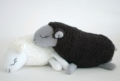 Baa Baa Black Sheep | Sew Mama Sew | Outstanding sewing, quilting, and needlework tutorials since 2005.