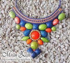 Maxi Colar Colorido com Strass e Pedras nas Cores Laranja, Verde e Azul Royal. R$ 102,00
