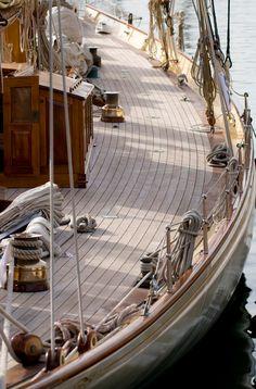 2003 William Fife Junior Two Masted Gaff Rigged 125 ft Schooner 2003 Yacht Design, Boat Design, Classic Sailing, Classic Yachts, Sailing Cruises, Sailing Ships, Sailing Yachts, Cruise Italy, Sailing Holidays