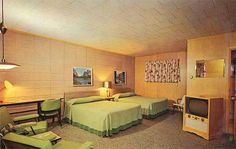 Cloverland Motel - Ironwood, MI  LILEKS (James) :: Motel Postcards :: Michigan