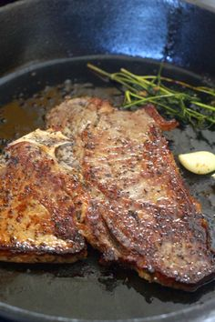 Pan Seared T-bone steak bone steak recipe Pan Seared T-bone Steak - PrincessTafadzwa T Bone Steak Recipe In Oven, Tbone Steak In Oven, T Bone Steak Marinade, Pfannengebratenes Steak, Cooking T Bone Steak, Steaks, Steak On Stove, How To Cook Steak, Skillet Steak