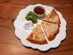 I had some leftover rotisserie chicken at home and wanted to make something with the leftovers since I'm never a fan of reheated rotisser. Leftover Rotisserie Chicken, Chicken Quesadillas, Dinner Ideas, Cactus, Ethnic Recipes, Easy, Kitchen, Food, Baking Center