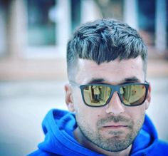 Caesar Haircut - Men's Hairstyle TrendsFacebookGoogle+InstagramPinterestTwitter