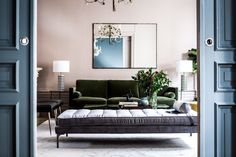 Art Deco Style and how to incorporate it at home - Project One Estilo Interior, Diy Interior, Interior Design, Key West Decor, Muebles Art Deco, Side Table Decor, Living Room Color Schemes, Art Deco Furniture, Kids Furniture