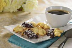 La mejor receta de pastisetas sólo para ti. Deliciosas galletas suaves por dentro y crocantes por fuera con un inmenso sabor a mantequilla y el toque perfecto de azúcar. No dejes de prepararlas esta tarde de amigas.