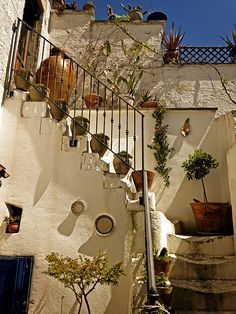 @DesignMepuntoit @Matt Nickles Valk Chuah Puglia @LucianaLettere #designme Centro storico #Ruffano, #invasionidigitali, #Puglia