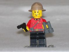 Lego Minifig Canadian Mountie Police Officer with Accessories