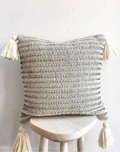 Headboard For Girls, Bunk Bed Ideas Diy - Farmhouse Bedding Ideas, Macrame Pillo. - Headboard For Girls, Bunk Bed Ideas Diy – Farmhouse Bedding Ideas, Macrame Pillows. Bunk Beds Small Room, Girls Bunk Beds, Adult Bunk Beds, Bunk Bed Rooms, Modern Bunk Beds, Cool Bunk Beds, Bunk Beds With Stairs, Kid Beds, Small Rooms