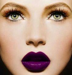 teint rouge à lèvre violet