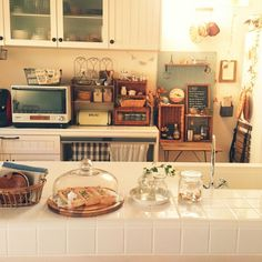 Home kitchen minimalist ethereal Korean Japanese calming soft pretty ドエリング アパート 아파트 maison aparte cuisine coréen minimaliste L e l i a L' a r t Diy Kitchen Projects, Diy Kitchen Decor, Diy Kitchen Cabinets, Kitchen Interior, Home Decor, Korean Kitchen, Minimalist Kitchen, Interior Exterior, Dream Decor