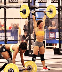 Stacie Tovar has really impressed me this week at the Games. And it just proves pretty girls can crossfit and look amazing doing it!