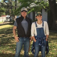 Joanna is a major style inspiration Fixer Upper Tv Show, Fixer Upper Joanna, Gaines Fixer Upper, Magnolia Fixer Upper, Estilo Joanna Gaines, Chip Und Joanna Gaines, Joanna Gaines Style, Chip Gaines, Best Couples Costumes