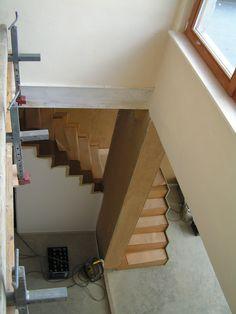 vide met zicht op trap en leefruimte - architect a.wildro