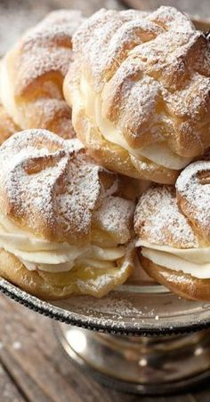Cannoli Cream Filled Cream Puffs - 10 of the best Italian pastries - Luca's Italy Baking Recipes, Cookie Recipes, Dessert Recipes, Picnic Recipes, Picnic Ideas, Picnic Foods, Just Desserts, Delicious Desserts, Yummy Food