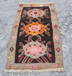Flower-Kilim-Turkish-Kilim-Carpet-Antique-kilim-Entrance-kilim-35x19-Inches
