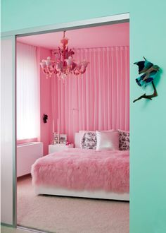 I LOVE pink, but IDK if my sweetie would allow me to do this to our bedroom, he indulges me with my pink obsession, but this would push him over the edge.