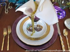 Between Naps on the Porch | A Mardi Gras Celebration | http://betweennapsontheporch.net