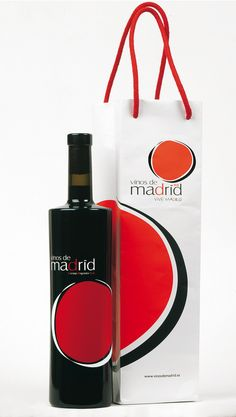 Packaging Vinos de Madrid by Fernando Fernandez.  Love the simplicity and the colors.  Definitely pickworthy IMPDO.