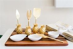 Give everyone else hostess envy with the ultimate entertaining accessory. This beautiful, solid brass cheese knife set makes the perfect housewarming, host/hostess and wedding gift!